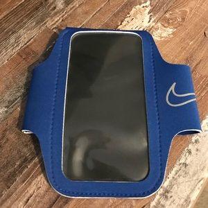 Blue Nike lightweight armband 2.0